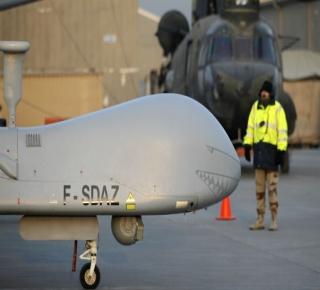 f859c097a8faa سياسة الطائرة بلا طيار  كل من كان أمام