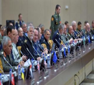 نائب رئيس أركان الاحتلال الإسرائيلي يلتقي قائد الجيش التركي وقادة جيوش عربية في مؤتمر الناتو