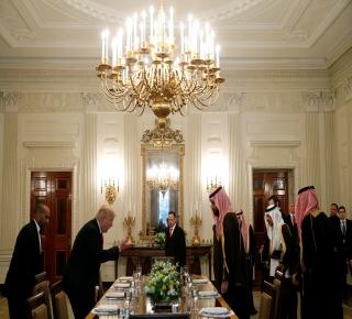 لماذا بدأ ترامب زيارته بالسعودية: الرياض تقود حملة لتحسين صورة ترامب في العالم الإسلامي