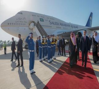 مصادر مغربية: الملك سلمان قد يستقر طويلا في طنجة بعد أن يتنازل عن الملك لابنه