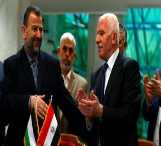 عن اتفاق المصالحة: حالة الاضطرار دفعت حماس إلى التنازل سلفا قبل أي ضمانات