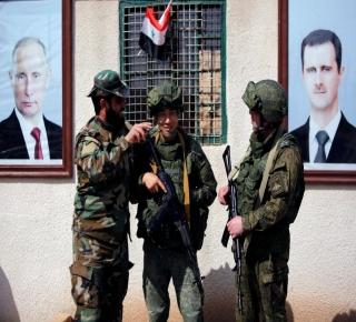 تقديرات: تزايد اهتزاز ثقة إيران بروسيا في سوريا وطهران متخوفة من تهميشها في إعادة الإعمار
