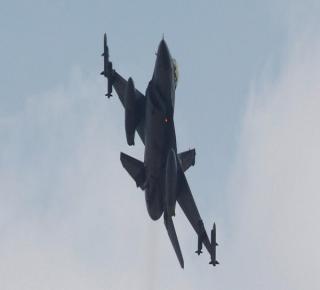 بعد الموافقة الأمريكية: أنقرة تسعى للحصول على إذن روسي لاستخدام المجال الجوي السوري