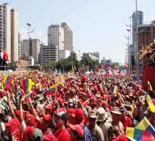 لماذا فشل تشافيز ومادورو: لم يستبدلا البيروقراطية الفاسدة ولم يسيطرا إلا على الجهاز التنفيذي