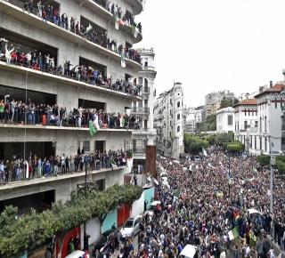 النظام يبحث له عن حل: الحرب النفسية تشتد والحراك الشعبي ينجح في التصعيد بالإضراب