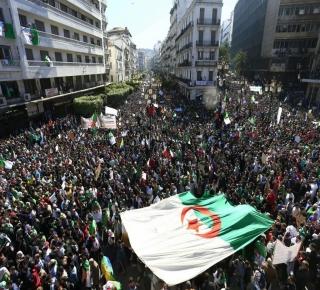 العصابة تستنجد بالقوى الاستعمارية لإنقاذها: سلطة الحكم في الجزائر تتفكك والأنظار مُوجه نحو قيادة الجيش
