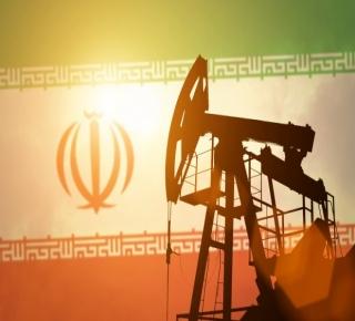 كل حرب شنتها أمريكا في العقدين الماضيين أضعفتها: يولتون يريد الحرب على إيران والعقوبات الاقتصادية غالبا ما تفشل