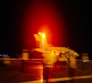 من المرجح أن الإدارة الأمريكية لن تُقدم على الحرب مع إيران، وأي اشتباك سيكون عابرا