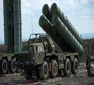 تزيد اعتمادها على موسكو وتبعدها تدريجيا عن واشنطن: لا تراجع لتركيا عن صفقة S-400 مع الروس