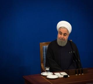 غادر بولتون لأنه رفض الفكرة:  تخفيف العقوبات على إيران لتسهيل لقاء روحاني ترامب